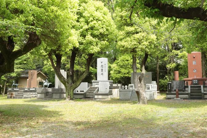 大阪護國神社の墓石