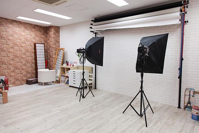 成人式前撮り写真撮影スタジオHONEY&CRUNCH神戸三宮店の店内写真