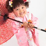 大阪の七五三写真撮影スタジオ・ハニーアンドクランチの3歳女の子和装のフォトギャラリーA130