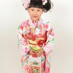 大阪の七五三写真撮影スタジオ・ハニーアンドクランチの7歳女の子和装のフォトギャラリーB069