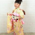 大阪の七五三写真撮影スタジオ・ハニーアンドクランチの7歳女の子和装のフォトギャラリーB070
