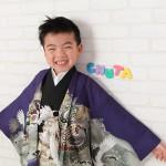 大阪の七五三写真撮影スタジオ・ハニーアンドクランチの男の子の和装のフォトギャラリーC005