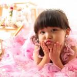 大阪の七五三写真撮影スタジオ・ハニーアンドクランチの3歳女の子洋装(ドレス・きぐるみ)のフォトギャラリーD001