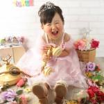 大阪の七五三写真撮影スタジオ・ハニーアンドクランチの3歳女の子洋装(ドレス・きぐるみ)のフォトギャラリーD030