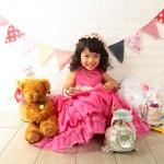 大阪の七五三写真撮影スタジオ・ハニーアンドクランチの3歳女の子洋装(ドレス・きぐるみ)のフォトギャラリーD256