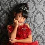 大阪の七五三写真撮影スタジオ・ハニーアンドクランチの7歳女の子ドレス・洋装のフォトギャラリーE026