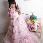 大阪の七五三写真撮影スタジオ・ハニーアンドクランチの7歳女の子ドレス・洋装のフォトギャラリーE038