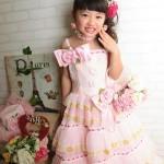 大阪の七五三写真撮影スタジオ・ハニーアンドクランチの7歳女の子ドレス・洋装のフォトギャラリーE040