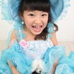 大阪の七五三写真撮影スタジオ・ハニーアンドクランチの7歳女の子ドレス・洋装のフォトギャラリーE041