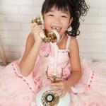 大阪の七五三写真撮影スタジオ・ハニーアンドクランチの7歳女の子ドレス・洋装のフォトギャラリーE047