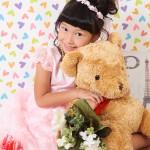 大阪の七五三写真撮影スタジオ・ハニーアンドクランチの7歳女の子ドレス・洋装のフォトギャラリーE053