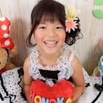 大阪の七五三写真撮影スタジオ・ハニーアンドクランチの7歳女の子ドレス・洋装のフォトギャラリーE065