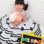 大阪の七五三写真撮影スタジオ・ハニーアンドクランチの7歳女の子ドレス・洋装のフォトギャラリーE074