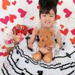 大阪の七五三写真撮影スタジオ・ハニーアンドクランチの7歳女の子ドレス・洋装のフォトギャラリーE085