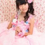 大阪の七五三写真撮影スタジオ・ハニーアンドクランチの7歳女の子ドレス・洋装のフォトギャラリーE095