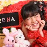 大阪の七五三写真撮影スタジオ・ハニーアンドクランチの7歳女の子ドレス・洋装のフォトギャラリーE100