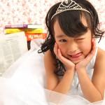 大阪の七五三写真撮影スタジオ・ハニーアンドクランチの7歳女の子ドレス・洋装のフォトギャラリーE119