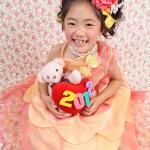 大阪の七五三写真撮影スタジオ・ハニーアンドクランチの7歳女の子ドレス・洋装のフォトギャラリーE126