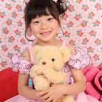 大阪の七五三写真撮影スタジオ・ハニーアンドクランチの7歳女の子ドレス・洋装のフォトギャラリーE134