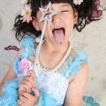 大阪の七五三写真撮影スタジオ・ハニーアンドクランチの7歳女の子ドレス・洋装のフォトギャラリーE136