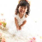 大阪の七五三写真撮影スタジオ・ハニーアンドクランチの7歳女の子ドレス・洋装のフォトギャラリーE139