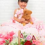 大阪の七五三写真撮影スタジオ・ハニーアンドクランチの7歳女の子ドレス・洋装のフォトギャラリーE150