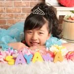 大阪の七五三写真撮影スタジオ・ハニーアンドクランチの7歳女の子ドレス・洋装のフォトギャラリーE152