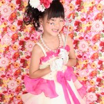 大阪の七五三写真撮影スタジオ・ハニーアンドクランチの7歳女の子ドレス・洋装のフォトギャラリーE155