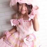 大阪の七五三写真撮影スタジオ・ハニーアンドクランチの7歳女の子ドレス・洋装のフォトギャラリーE166