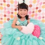 大阪の七五三写真撮影スタジオ・ハニーアンドクランチの7歳女の子ドレス・洋装のフォトギャラリーE167