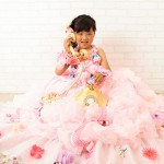 大阪の七五三写真撮影スタジオ・ハニーアンドクランチの7歳女の子ドレス・洋装のフォトギャラリーE137