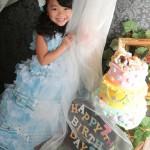 大阪の七五三写真撮影スタジオ・ハニーアンドクランチの7歳女の子ドレス・洋装のフォトギャラリーE212