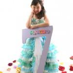 大阪の七五三写真撮影スタジオ・ハニーアンドクランチの7歳女の子ドレス・洋装のフォトギャラリーE228