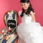 大阪の七五三写真撮影スタジオ・ハニーアンドクランチの7歳女の子ドレス・洋装のフォトギャラリーE236