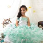 大阪の七五三写真撮影スタジオ・ハニーアンドクランチの7歳女の子ドレス・洋装のフォトギャラリーE260