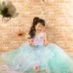 大阪の七五三写真撮影スタジオ・ハニーアンドクランチの7歳女の子ドレス・洋装のフォトギャラリーE275