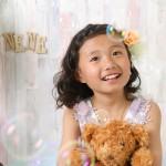 大阪の七五三写真撮影スタジオ・ハニーアンドクランチの7歳女の子ドレス・洋装のフォトギャラリーE287