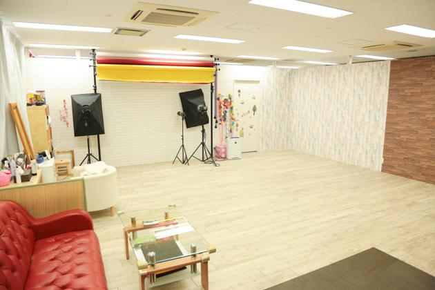 こども写真館HONEY&CRUNCHの神戸三宮・生田神社店のBスタジオ写真01