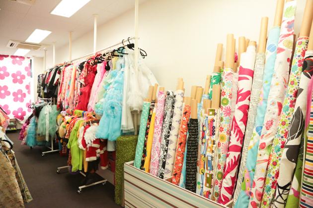 こども写真館HONEY&CRUNCHの神戸三宮・生田神社店の衣装ルーム01