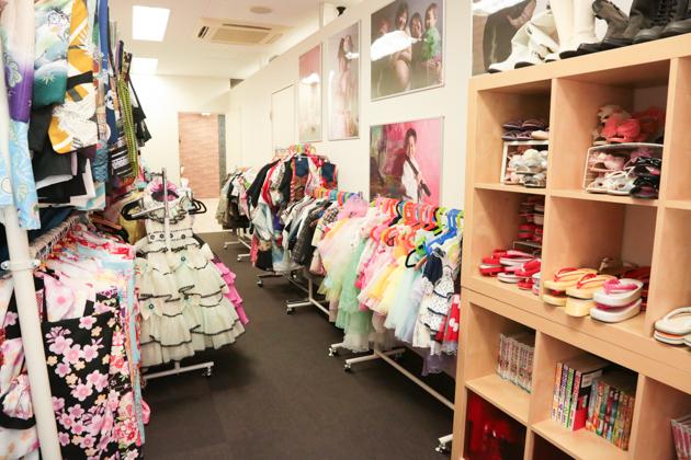 こども写真館HONEY&CRUNCHの神戸三宮・生田神社店の衣装ルーム03