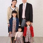 ご来店時の服装でご家族写真。