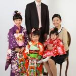 お着物でご家族写真。