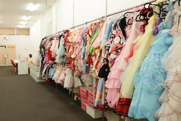 豊中千里中央店の衣装写真2