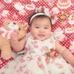 大阪の初節句・ハーフバースディ写真撮影スタジオ・ハニーアンドクランチの洋装のフォトギャラリーH079