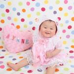 大阪の初節句・ハーフバースディ写真撮影スタジオ・ハニーアンドクランチの洋装のフォトギャラリーH108