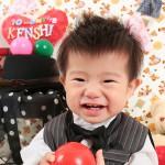 大阪の初節句・ハーフバースディ写真撮影スタジオ・ハニーアンドクランチの洋装のフォトギャラリーH144