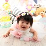大阪の初節句・ハーフバースディ写真撮影スタジオ・ハニーアンドクランチの洋装のフォトギャラリーH180
