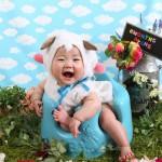 大阪の初節句・ハーフバースディ写真撮影スタジオ・ハニーアンドクランチの洋装のフォトギャラリーH202